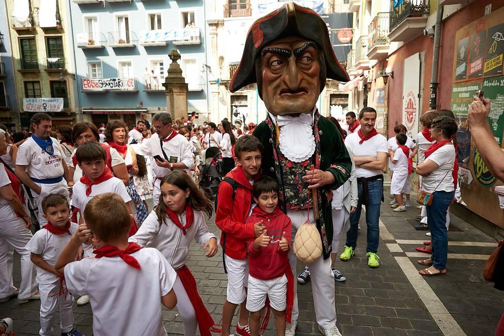 Fotos de los gigantes y cabezudos de Pamplona, 13 de julio de San Fermín 2018 (1/171) - Fotos de los gigantes y cabezudos de Pamplona, 13 de julio de San Fermín 2018 - San Fermín -