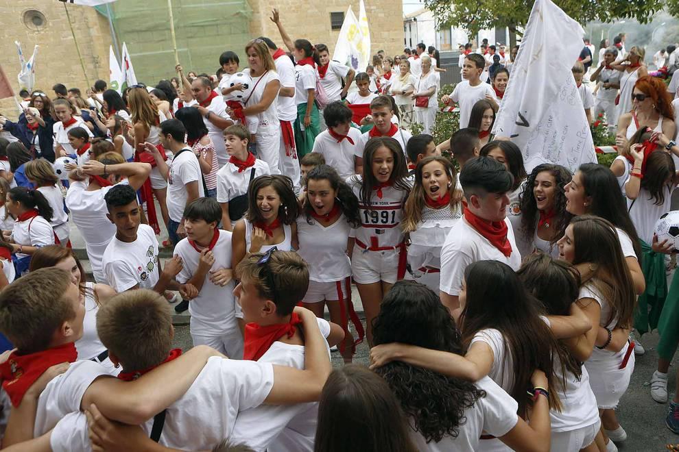 Fotos del chupinazo de Mélida | 18 de agosto (1/13) - Inicio de las fiestas de Méliza y lanzamiento del cohete - Tafalla y Zona Media -