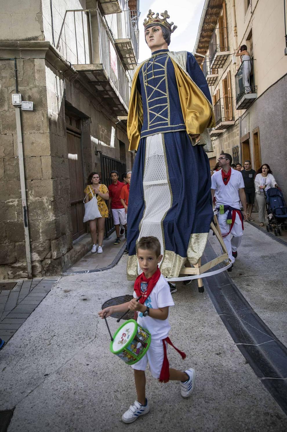 Fotos del día grande de fiestas de Lumbier | 31 de agosto de 2018 (1/33) - Lumbier celebró este viernes, 31 de agosto, el día grande de sus fiestas en honor a San Ramón - Sangüesa y Merindad -