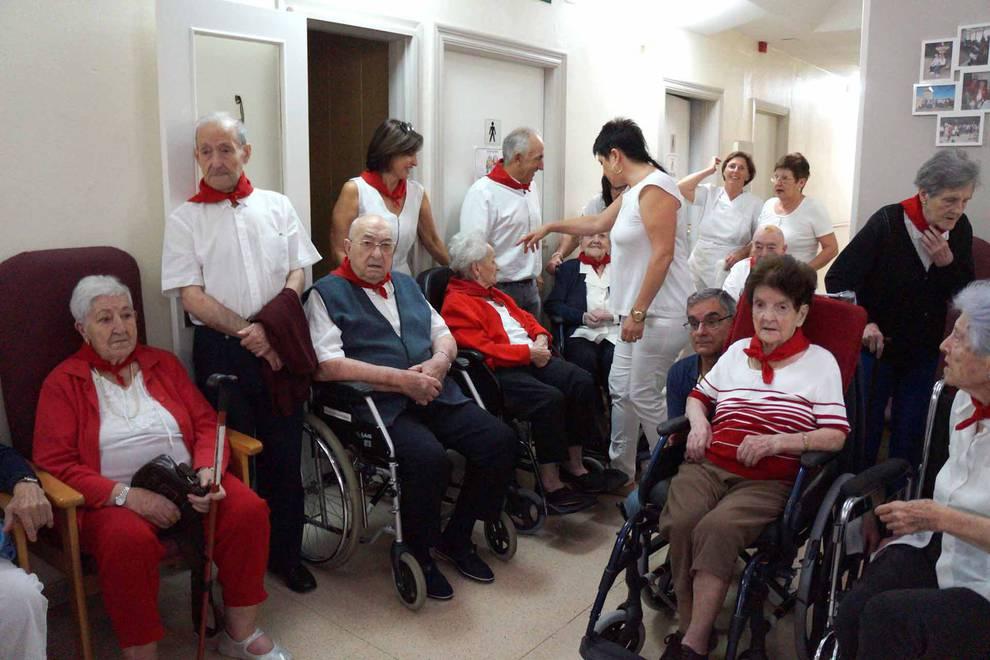 Cohete anunciador de las fiestas de Villafranca en honor a Santa Eufemia (15 de septiembre) (1/14) - La localidad ribera comenzó este sábado su semana festiva - Tudela y Ribera -