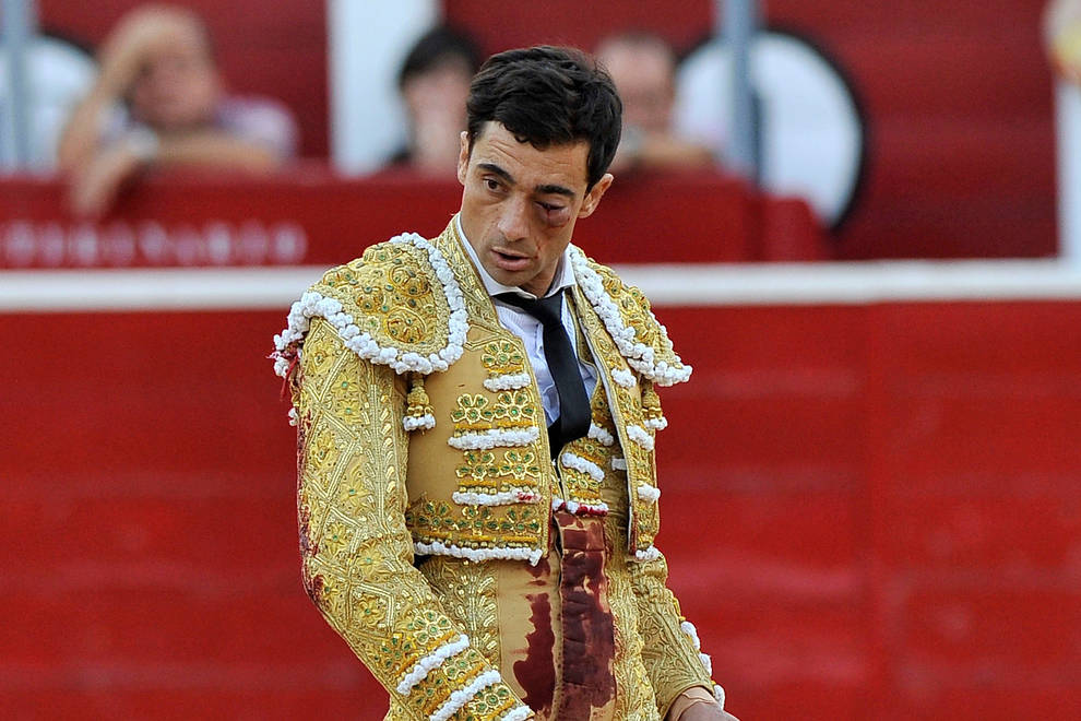 El torero Paco Ureña pierde el ojo pero volverá a torear