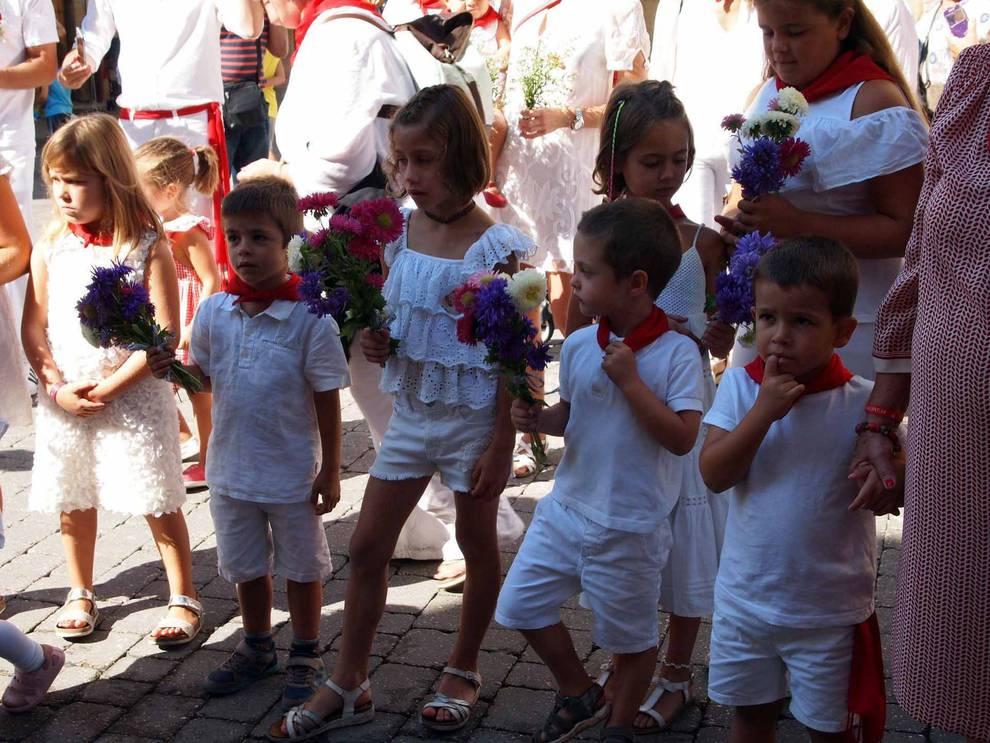 Sexto día de las fiestas de Sangüesa (16 de septiembre) (1/15) - El domingo de fiestas estuvo dedicado a los niños. Sangüesa dio la bienvenida a los nacidos en el último año y hubo ofrenda floral al patrón - Sangüesa y Merindad -