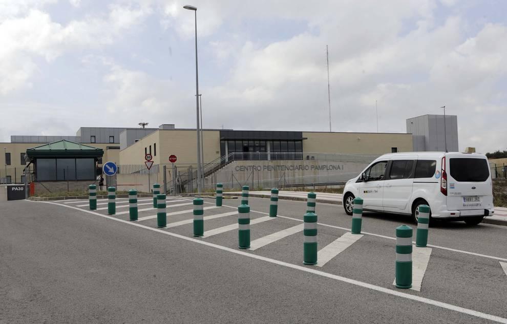 Los Reclusos De Pamplona Contaran Con Terapia Asistida Con Perros Noticias De Pamplona Y Comarca En Diario De Navarra