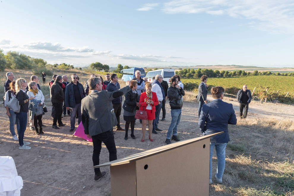 Bodegas Vivanco presenta en Milagro su primera finca fuera de La Rioja