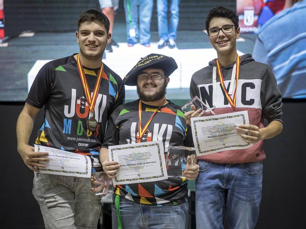 Campeonato de espa a de cubo de rubik celebrado este for Rubik espana