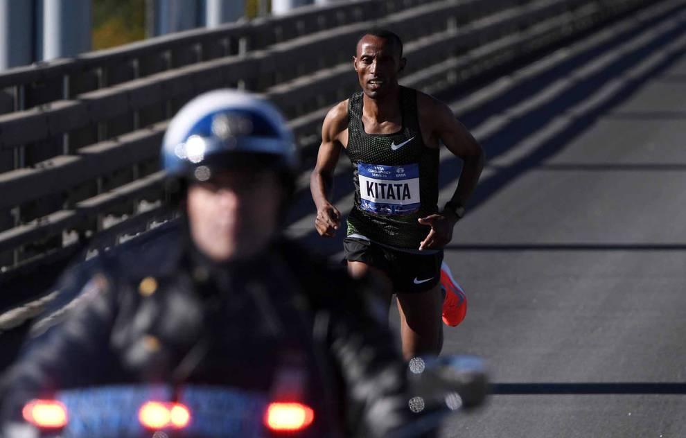 Fotos de la Maratón de Nueva York 2018 (1/55) - La atleta keniana Mary Keitany ganó este domingo por cuarta vez el maratón de Nueva York, donde había encadenado tres victorias seguidas entre 2014 y 2016, mientras que en hombres el etíope Lelisa Desisa se estrenó como campeón. - DN_Running -