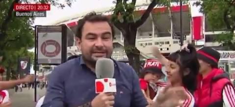 El surrealista directo de un reportero de Cuatro desde Argentina por ...