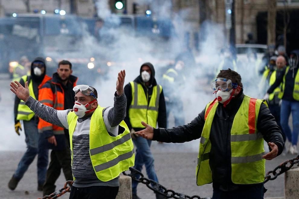 Resultado de imagen para manifestacion en paris chalecos amarillos