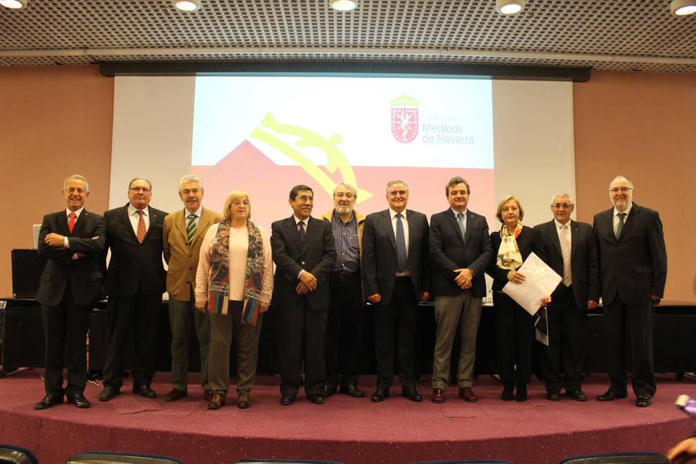 El Colegio de Médicos homenajea a sus 55 jubilados en el 2019