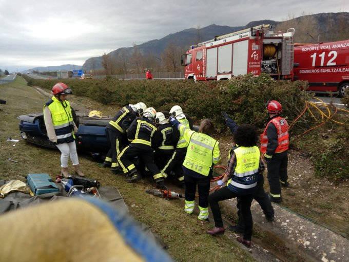 Se investiga si un vehículo iba en dirección contraria, en un accidente en la A-10