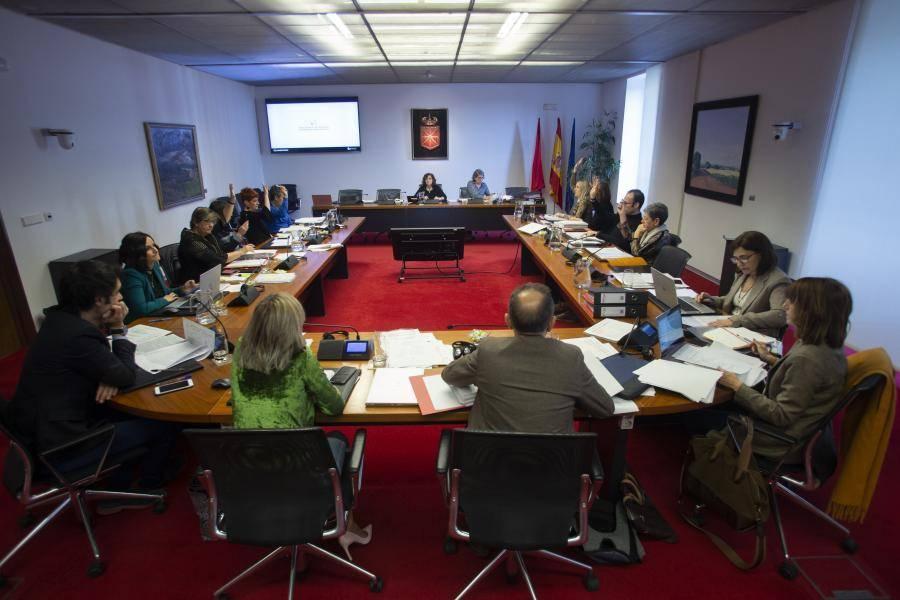 El Parlamento de Navarra aumenta el gasto de Derechos Sociales en 1,9 millones