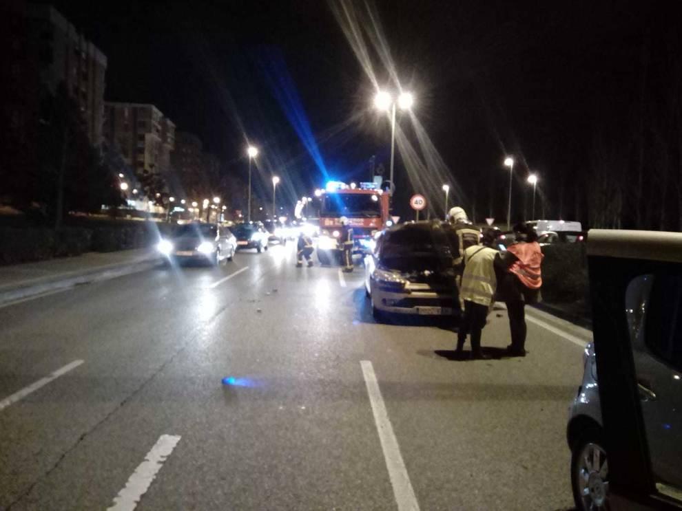 Dos heridos, trasladados al CHN tras una colisión por alcance en la variante de Pamplona