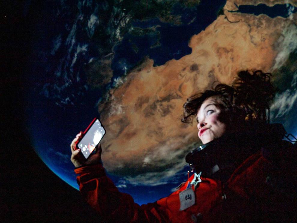 El Gayarre estrena este jueves Eo, una experiencia espacial y especial