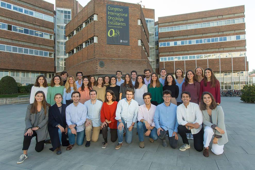 Alumnos que forman parte del comité organizador del COE (Congreso de Oncología para Estudiantes).