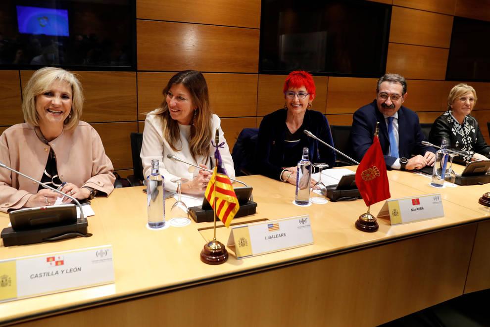 Induráin dice que Navarra afronta el COVID-19 con sistema solvente