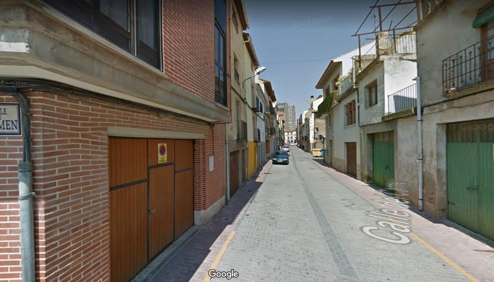 Se derrumba de madrugada la fachada de una casa abandonada en Corella