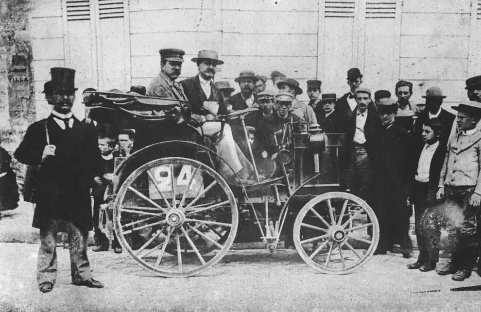 Mercedes primer volante