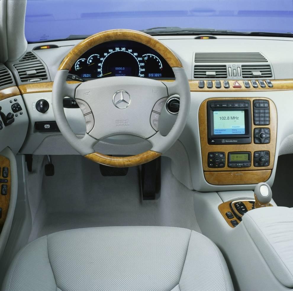 Mercedes Volante multifunción
