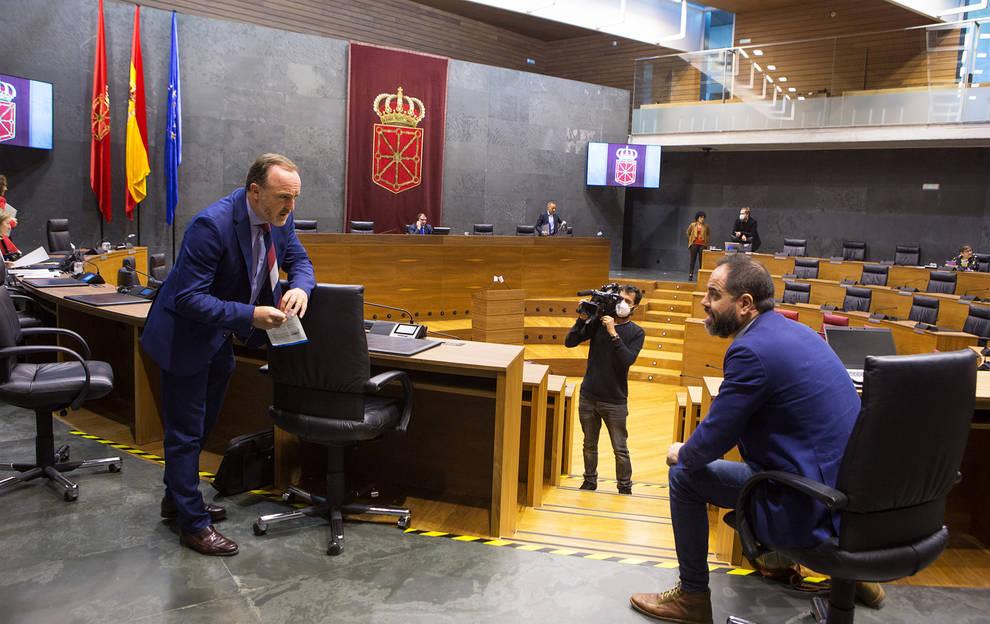 Esparza acusa al PSOE y a María Chivite de blanquear a EH Bildu