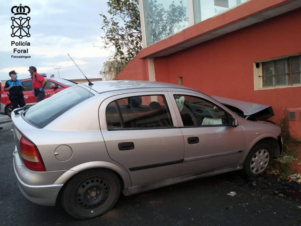 Muere en Ayegui al chocar su coche contra un muro