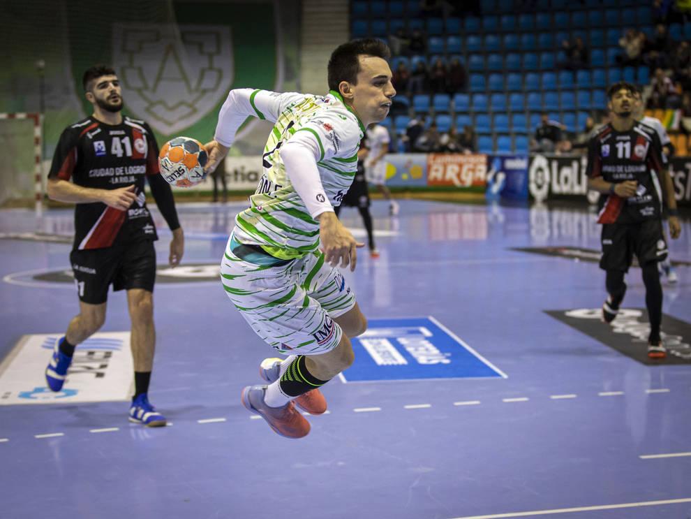 Álvaro Gastón: Es un orgullo seguir jugando en el equipo de mi vida