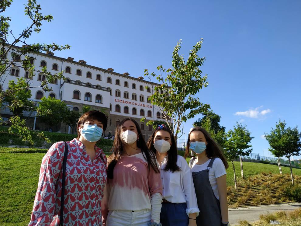 Alumnas del Liceo Monjardín, ganadoras del segundo premio de Vidiomas