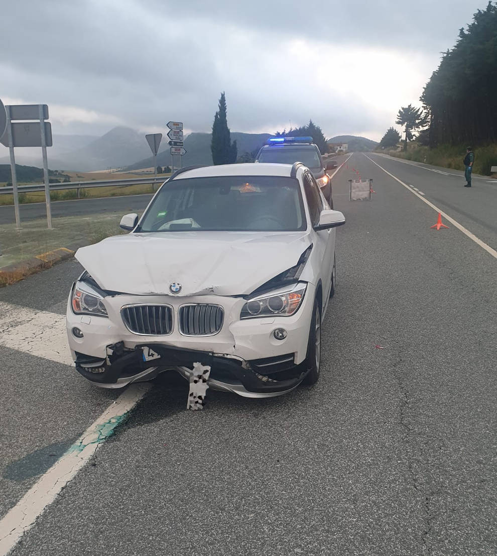 Herido leve tras una colisión entre dos coches en Iza