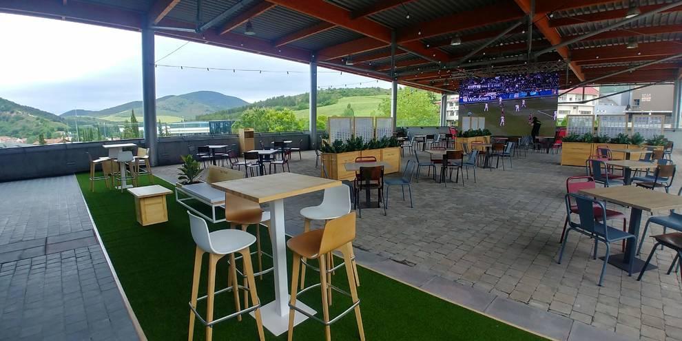 En la terraza de Itaroa se puede disfrutar de hasta diez restaurantes distintos
