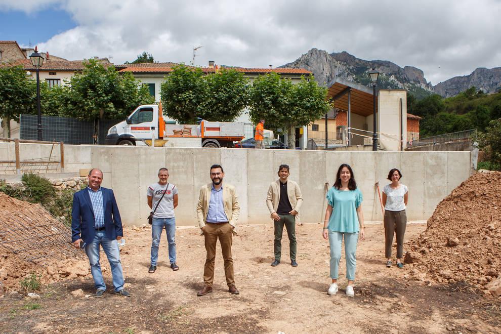 Subvención para reparar el muro de contención de la plaza ante el riesgo de derrumbe