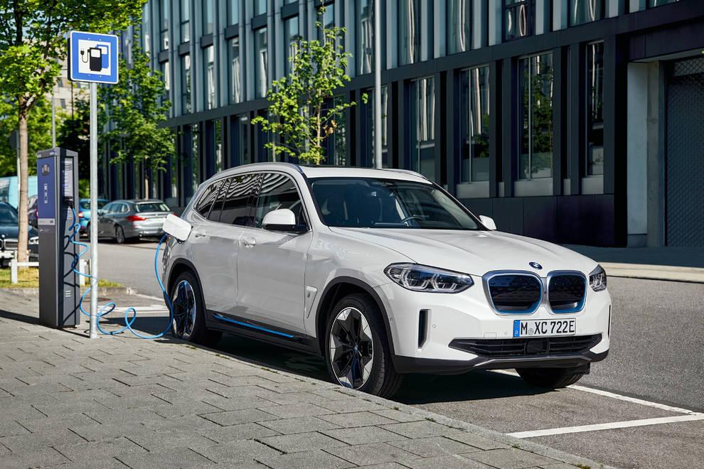 BMW iX3 cargador