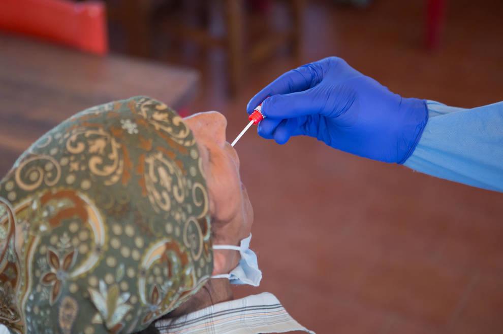 Navarra comienza a realizar pruebas PCR a los trabajadores temporeros