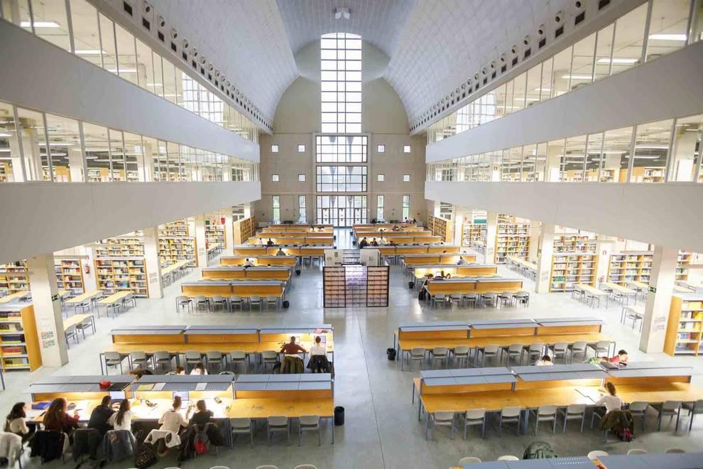 Las bibliotecas de la UPNA en Pamplona abrirán al público desde este lunes