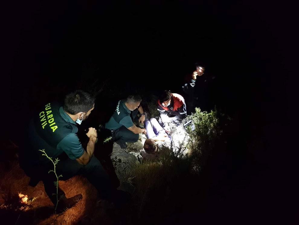 Herido al despeñarse con su tractor por una ladera en Ziga