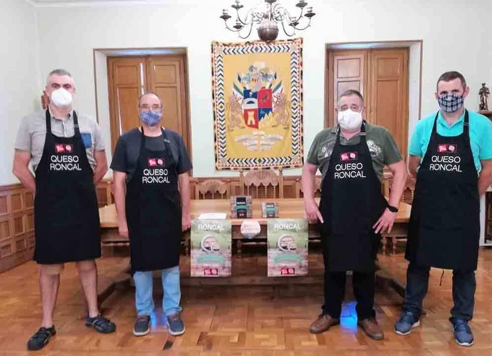 La DOP Queso Roncal reconoce la labor de los hosteleros del valle pirenaico