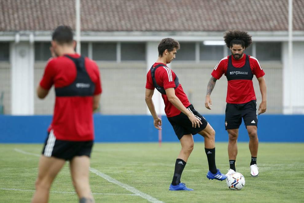 Osasuna entrena con la mirada en el Alavés