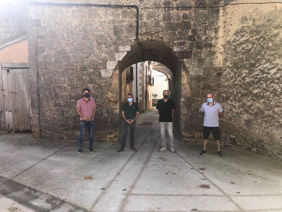 Firmado un convenio para el mantenimiento de la muralla medieval de Zúñiga