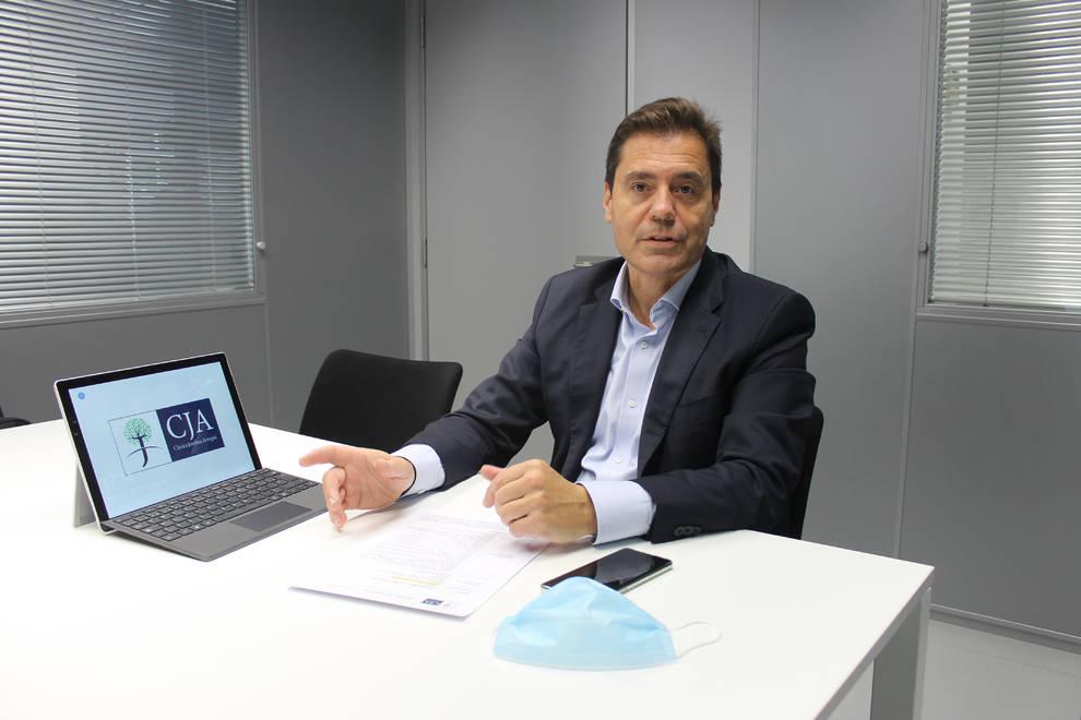 Ángel Gardachal, director gerente de Clínica Josefina Arregui.