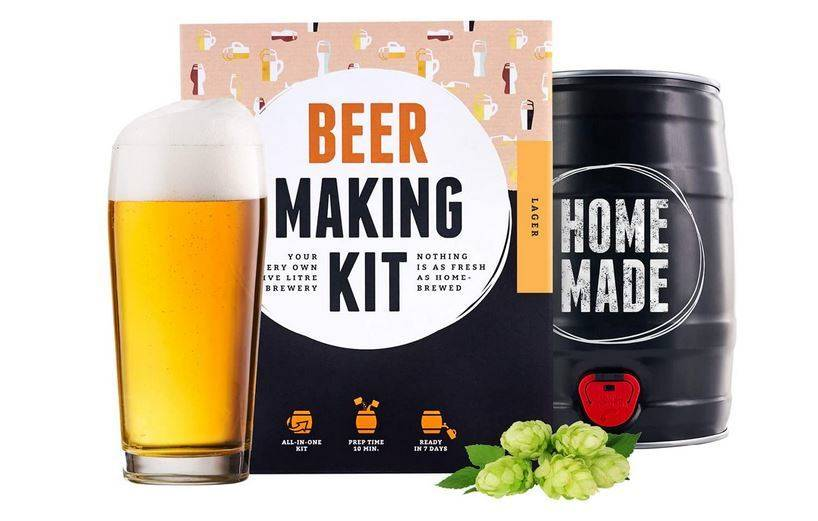 Imagen de un kit para elaborar cerveza casera