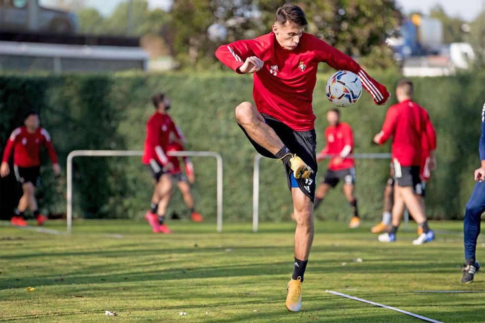 Sesión de recuperación de Osasuna con la mente puesta en el Sevilla