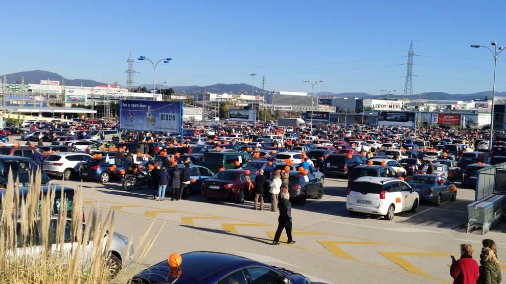 Multitudinaria manifestación de protesta contra la ley Celaá