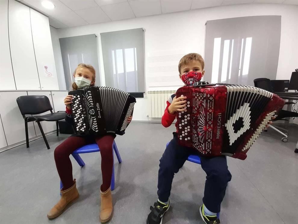 Las escuelas de música dedican Santa Cecilia a los sanitarios
