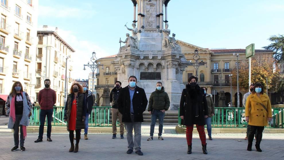 Unai Hualde, junto a los diez burukides que le acompañarán en la Ejecutiva del PNV.