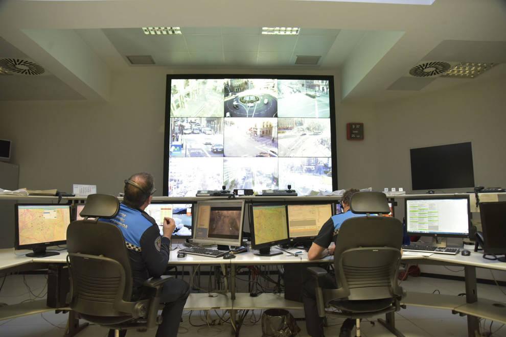 El Ayuntamiento mejora los equipos de control de tráfico del CECOP