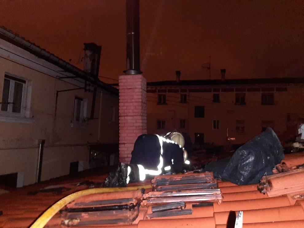 Sofocado un incendio en la chimenea de una vivienda en la Txantrea