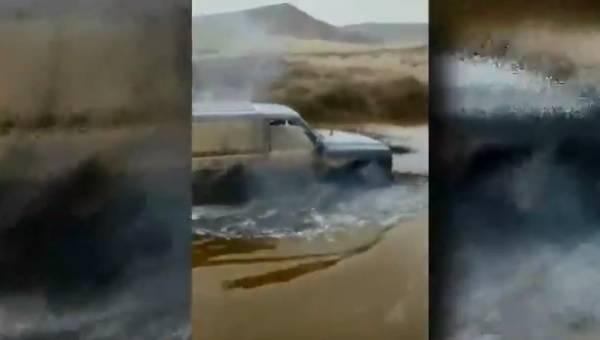 Denunciado por circular con un vehículo 4x4 a través de un humedal y causar daños