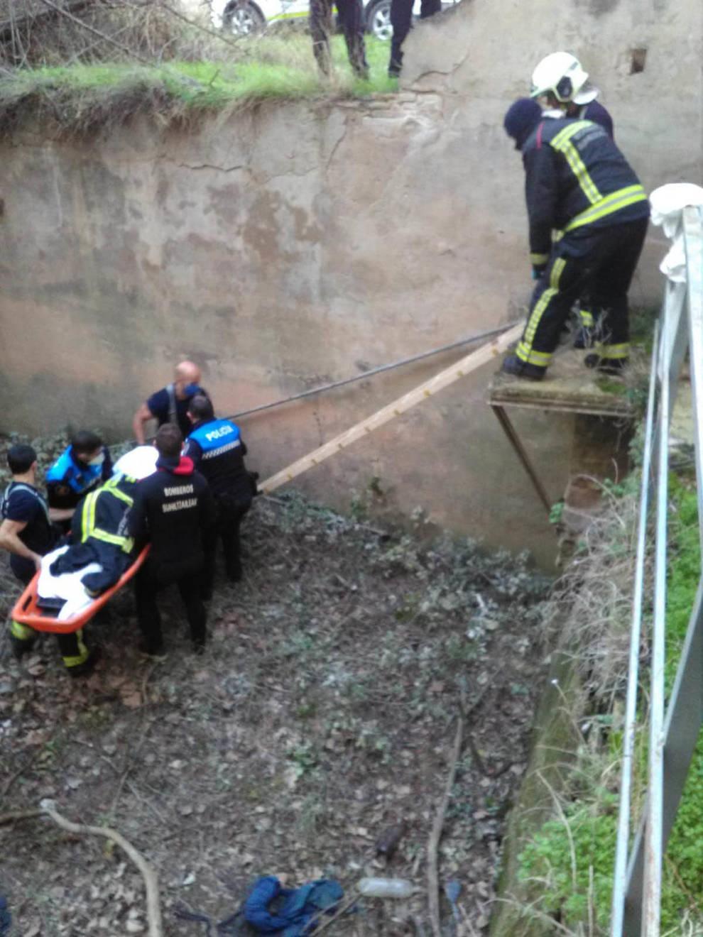 Rescatado con hipotermia severa un hombre de una acequia de Tudela