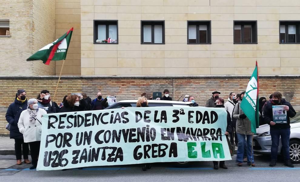 Trabajadores del sector de los cuidados protestan contra un sistema que antepone el beneficio económico