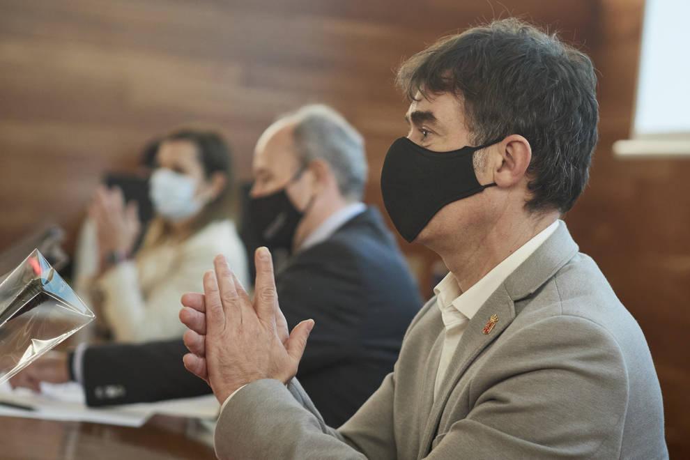 Eduardo Santos reitera que Ayerdi dimitirá si tiene la condición de investigado