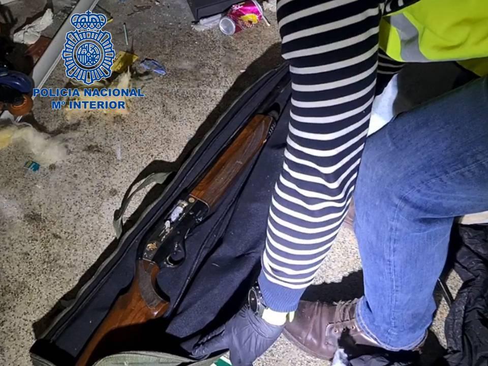 Tres detenidos por robos en vehículos y trasteros de Pamplona