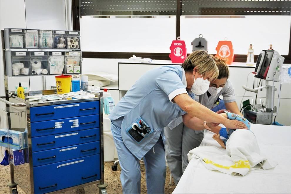 El Hospital Reina Sofía abre una Unidad de Niño Crónico y una consulta de neonatología